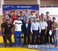В Красноярске с участием тувинских борцов состоялся турнир по вольной борьбе на призы Виктора Алексеева