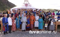 Глава Тувы Шолбан Кара-оол поздравил земляков с Наадымом и Днем республики