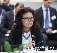 Сенатор Оксана Белоконь поздравила Шолбана Кара-оола с победой на выборах