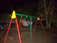 В Кызыле с новой детской площадки украли качели