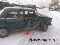 В поселке Каа-Хем произошло дорожно-транспортное происшествие с участием маршрутного такси, есть пострадавшие