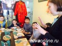 """""""Добрые сердца"""" провели экскурсию по Кызылу для ребят из Кызыл-Арыгской коррекционной школы-интерната"""