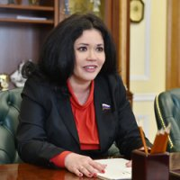 Глава Удмуртии провел встречу с членом Комитета СФ по обороне и безопасности Оксаной Белоконь