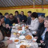 В Туву на празднование Шагаа приехала делегация из Верхнеусинского (Красноярский край)