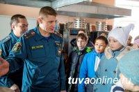 Школьников Кызыла познакомили с Испытательной пожарной лабораторией Тувы