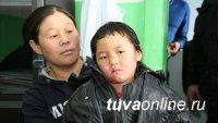 Девочка, прошедшая 8 км по тайге, чтобы сообщить о смерти родной бабушки, вернулась к матери