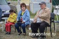 """Тува: Санаторий """"Серебрянка"""" открыла свой филиал на лечебном соленом озере Дус-Холь"""