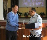 Руководство МВД по Республике Тыва поблагодарило гражданина, предотвратившего дерзкий грабеж