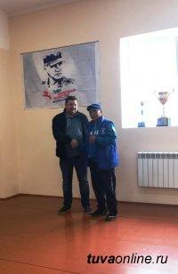 Депутат Олег Дудко помог отремонтировать тренировочный зал кикбоксеров