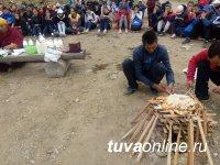 Десятый год первокурсники учебных заведений г. Кызыла покоряют г. Дөгээ