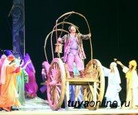 """Премьера музыкальной комедии """"Ходжа Насреддин"""" на сцене Национального театра Тувы"""