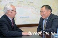 В День октябрьской революции Глава Тувы встретился с активом регионального отделения КПРФ