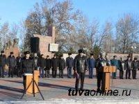 На площади «Победы» Кызыла прошел общегарнизонный инструктаж комплексных сил и средств полиции, Росгвардии и общественных формирований