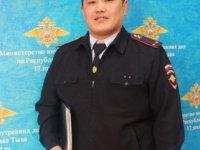 В Кызыле участковый уполномоченный задержал семейного дебошира, и его мать от возможного обморожения