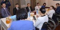 Глава Тувы обсудил вопросы доступной среды с активистами общества инвалидов