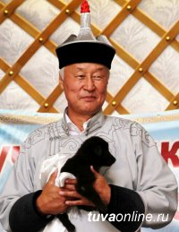 Спикер парламента Тувы поздравил земляков с Новым годом