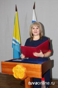 В Туве два иностранных гражданина приняли Присягу гражданина Российской Федерации