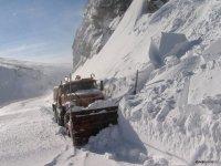 На федеральной трассе Р-257 «Енисей» в связи с обильными снегопадами вводятся  временные ограничения для большегрузных машин