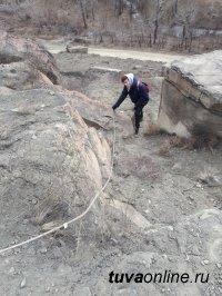 Студенты Тувинского государственного университета  получили грант на реставрацию древних петроглифов Тувы