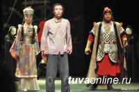Более 5000 км преодолел театр Калмыкии, чтобы выступить 16 апреля в Кызыле