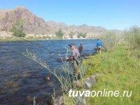 В Туве прошел республиканский командный турнир по рыбной ловле