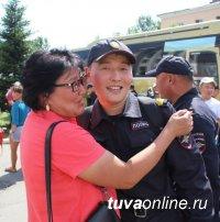 Сводный отряд полиции Тувы вернулся в Кызыл после обеспечения порядка на Чемпионате мира по футболу в Самаре