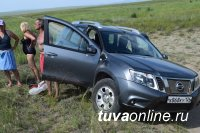 В Туве пресечена попытка вывоза лечебной грязи с озера Каък-Холь поблизости от соленого озера Сватиково