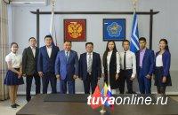 В Туве появится школа ушу и восемь ребят из республики отправятся на учебу в престижные вузы КНР
