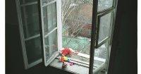 В Кызыле 5-летняя девочка выпала из окна 6-го этажа