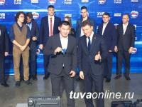 Участник проекта «ПолитСтартап», известный борец и тренер Буян Бурбучук получил партийный билет на съезде «Единой России»