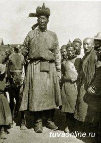 Монгол Ондор Гонгор (1880-1925) был 2 метра 36 см ростом