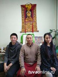 Тувинские студенты постигают основы народной тибетской медицины зарубежом