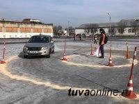 Команда Кызылского транспортного техникума победила в Первом республиканском чемпионате по Юношескому автомногоборью