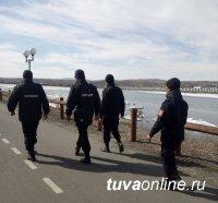 Народные дружинники ежедневно патрулируют Набережную Кызыла