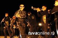 Музыканты из Тувы задали жару в Хакасии