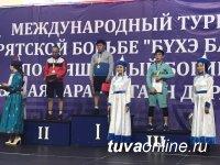 Тувинский борец в Улан-Удэ в турнире по бурятской борьбе занял второе место