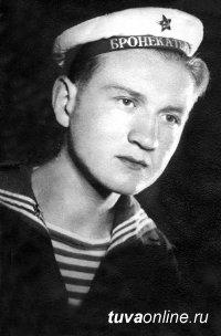 60 лет назад фронтовик, музыкант Сумен Лукич Бухтуев открыл в Чадане музыкальную школу