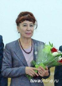 ЧЕЛОВЕК ТРУДА. Наталья Беспалова, более 40 лет работы в главной больнице Тувы