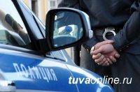 В Кызыле инспекторы ДПС задержали подозреваемого в угоне автомобиля