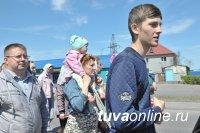 В столице Тувы православные провели крестный ход против алкоголизма