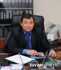 На 64-м году ушел из жизни Алексей Сухов, более 23 лет возглавлявший отделение Фонда соцстрахования в Туве