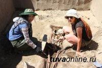Студенты ТувГУ участвуют в спасении артефактов Саянского моря
