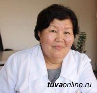 ЧЕЛОВЕК ТРУДА. Старшая медсестра Валентина Мартак-оол