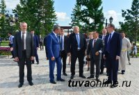 Сергей Меняйло встретился с активной молодёжью Тувы