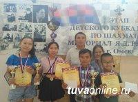 Юные шахматисты Тувы на турнире Кубка России в Омске завоевали 5 золотых, одну серебряную и одну бронзовую медали