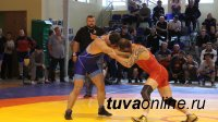 Тувинские ветераны-вольники привезли три медали с чемпионата страны по вольной борьбе