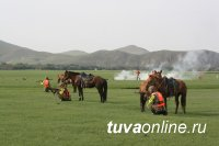Горные стрелки из Тувы стали лучшими в метании гранат с лошади на Международном конном марафоне в Монголии