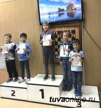 Тувинский школьник завоевал серебро в Первенстве Новосибирской области по быстрым шахматам