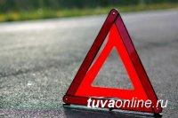 В Туве разыскивается 21-летний водитель, допустивший ДТП, в котором погиб пассажир, двое - получили ранения