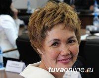 Парламент Тувы в Совфеде представит экс-глава Кызыла Дина Оюн